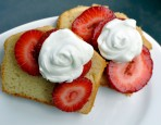 Strawberries-&-Pound-Cake