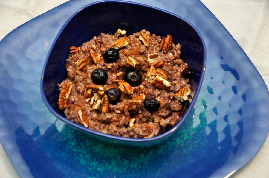 Slow Cooker Blueberries and Cream Steel Cut Oatmeal Recipe - Rockin ...